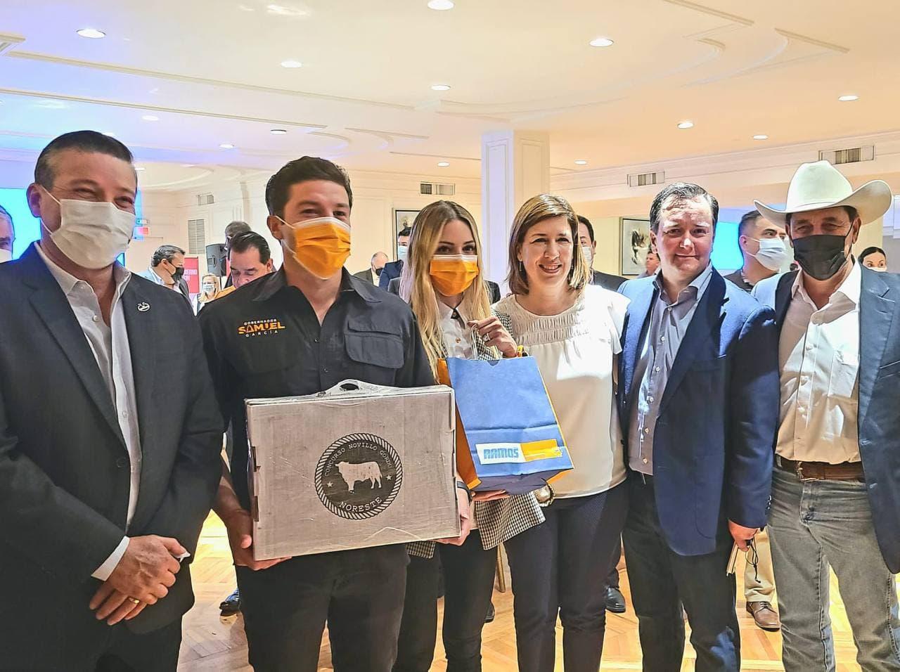 Acuerda Samuel con agropecuarios terna a Secretaría; se compromete a defender agua de NL
